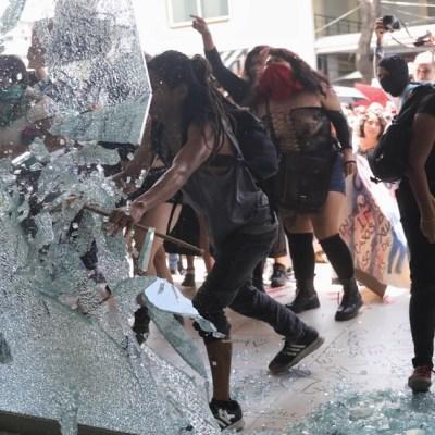 Así protestaron cientos de mujeres contra abusos de la Policía en la CDMX