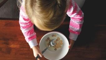 Foto:niña-comiendo-cereal. 28 agosto 2019.