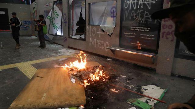 Mantendrán cerrada hasta nuevo aviso estación Insurgentes del Metrobús por actor vandálicos