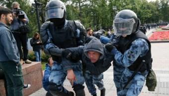 Foto: Un grupo de monitoreo de detenciones, OVD-Info, dijo que 685 personas fueron detenidas, el 3 de agosto de 2019 (AP)
