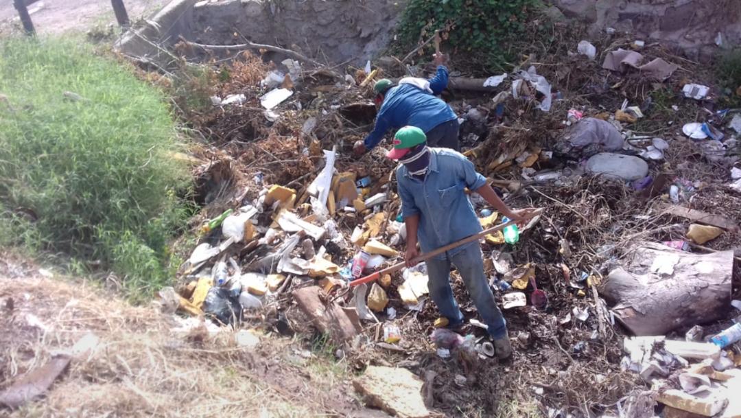 Imagen: Tampoco se puede quemar basura sólida ni se pueden acumular desechos en talleres mecánicos o comercios, 7 de agosto de 2019 (Twitter @HAytoCajeme, archivo)