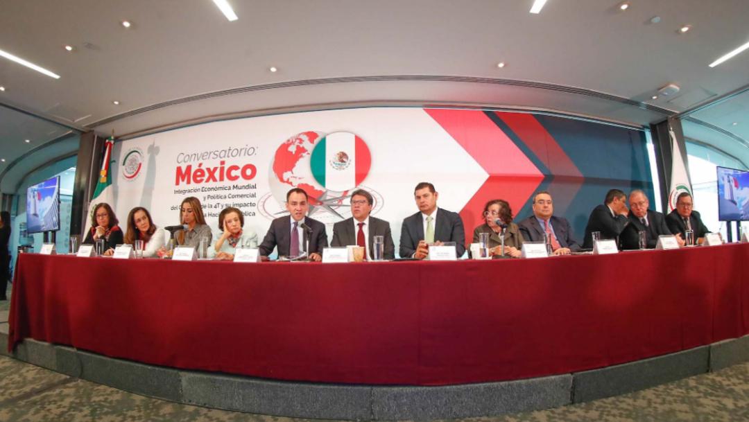Foto: Fue la primera visita al Senado de Arturo Herrera como secretario de Hacienda, 20 de agosto de 2019 (Twitter @senadomexicano)