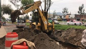 FOTO Transportistas bloquean Ermita y logran que CDMX repare socavón (Noticieros Televisa)
