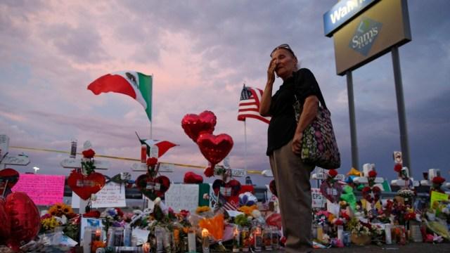 Foto: Ofrendas por víctimas de tiroteo en El Paso, Texas, 5 de agosto de 2019, Estados Unidos