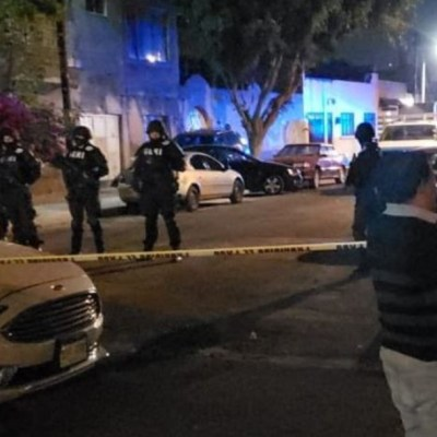 Detienen a dos en operativo contra narcomenudeo en alcaldía Venustiano Carranza