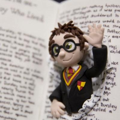 Prohíben libros de Harry Potter en escuela católica por contener 'hechizos reales'