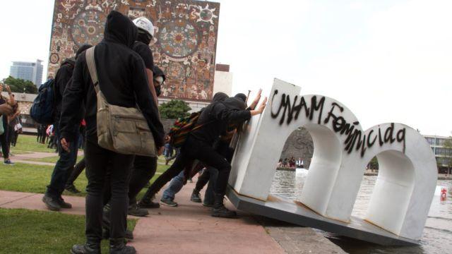 Actos vandálicos en la UNAM.