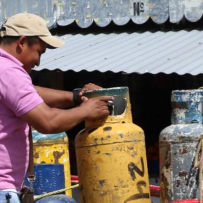 AMLO pide a CRE no subir precio del gas LP
