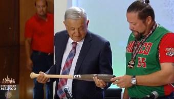FOTO AMLO recibe a niños beisbolistas, ganadores de la Serie Mundial Cal Ripken Jr. 2019 (YouTube)