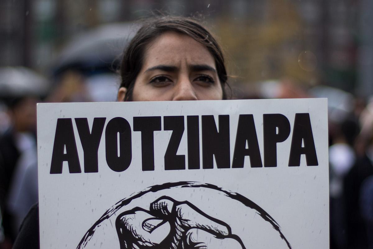 Foto:marcha 43 estudiantes ayotzinapa. Septiembre 2019