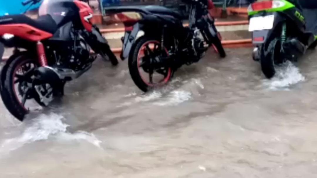 Foto: Para el día de hoy la alerta Naranja bajó a Amarilla debido a que se esperan lluvias de hasta 150 milímetros principalmente para el litoral costero, 28 de septiembre de 2019 (Noticieros Televisa)