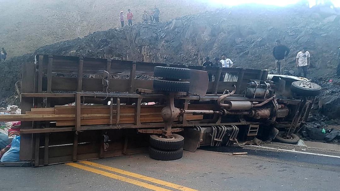 Foto: Accidente de tránsito deja 18 muertos y 17 heridos en Bolivia, 29 septiembre 2019