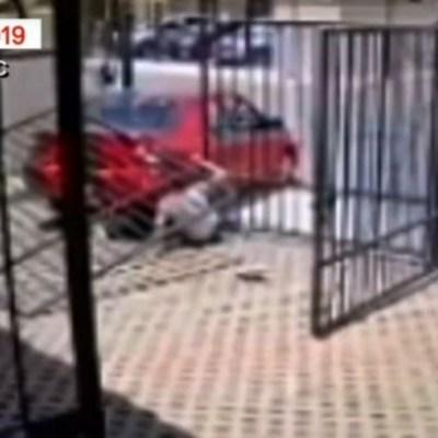 VIDEO: Vehículo se echa en reversa y atropella a niña en Tecámac