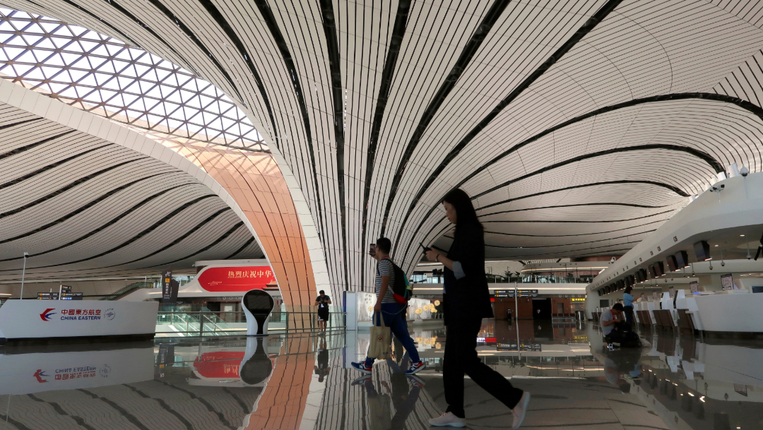 FOTO China opera nuevo aeropuerto en Pekín, de los más grandes del mundo (AP)