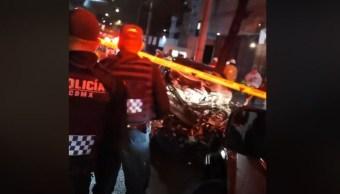 Cae auto del segundo piso del Periférico; hay un muerto