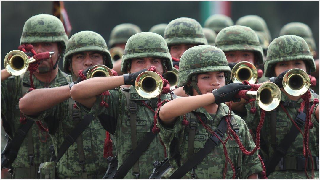 Imagen: Desde las 6:00 am se verá afectada la circulación por el Desfile Militar, 15 de septiembre de 2019 ( GALO CAÑAS /CUARTOSCURO.COM)