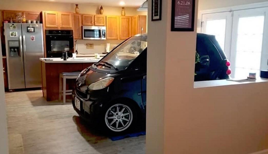 Huracan-Dorian-Estaciona-coche-vehiculo-cocina-Smart