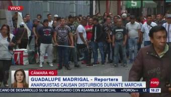 FOTO: Comerciantes Armados Con Palos Defienden Negocios CDMX