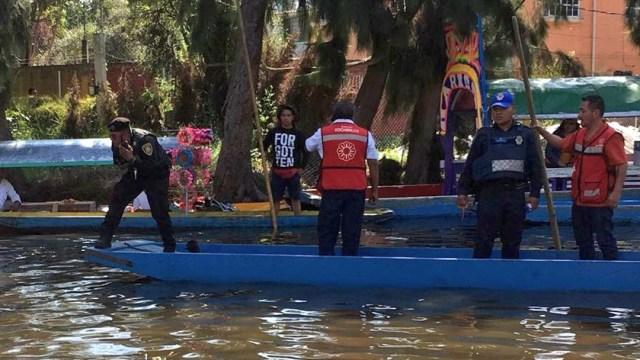 Foto: Peritos trabajan para indagar y poder rescatar el cuerpo, 1 de septiembre de 2019 (Twitter @SUUMA_CDMX)