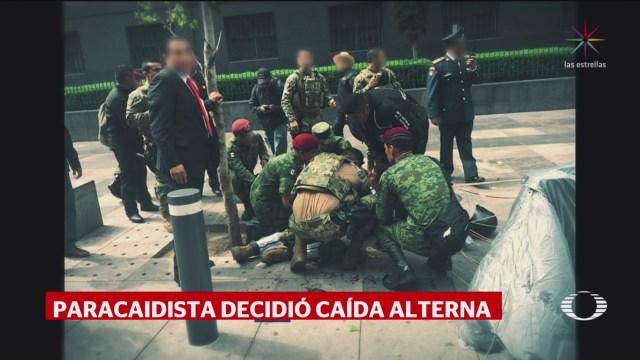 FOTO: Estable paracaidista de la Marina que cayó durante el desfile militar en CDMX, 16 septiembre 2019
