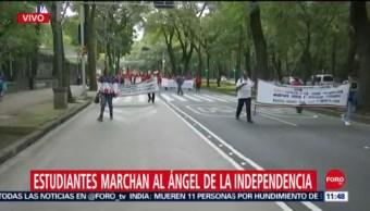 Estudiantes marchan en CDMX en agradecimiento a AMLO por becas