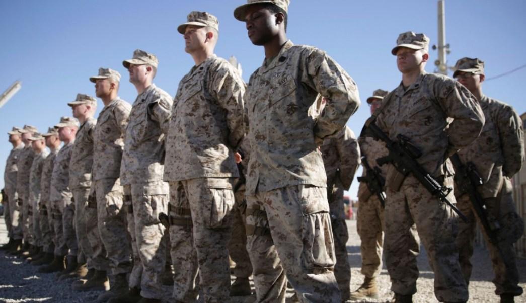 Foto: Marines estadounidenses durante una ceremonia en el campamento militar Shorab de la provincia de Helmand, Afganistán. AP/Archivo