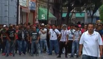 Foto: Los comerciantes cerraron la calle de Motolinia y 5 de Mayo, en el Centro Histórico de la Ciudad de México. Noticieros Televisa