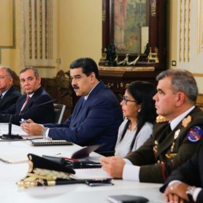 Maduro acusa a Colombia de lanzar 'amenaza guerrerista' contra Venezuela