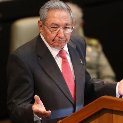 Twitter bloquea cuentas de Raúl Castro y medios estatales de Cuba