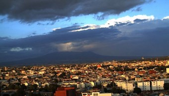 Primer frente frío de la temporada provocará lluvias en México.
