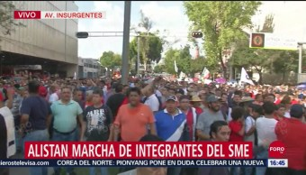 FOTO: Integrantes del SME bloquean Insurgentes para iniciar marcha, 27 septiembre 2019