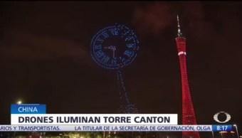 Mil drones iluminan la Torre Cantón de China