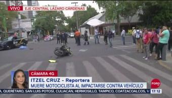FOTO: Muere motociclista al impactarse contra vehículo en CDMX, 16 septiembre 2019