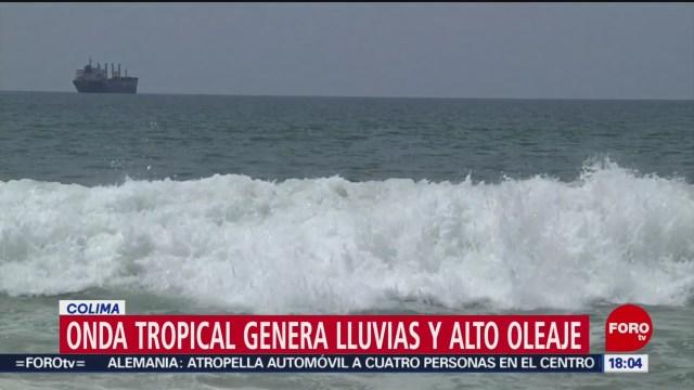 FOTO: Onda tropical 35 ocasiona lluvias intensas y alto oleaje en Colima, 7 septiembre 2019