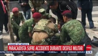 FOTO: Paracaidista sufre accidente durante desfile militar 2019 en CDMX, 16 septiembre 2019