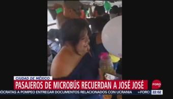FOTO: Pasajeros de Micobús homenajean a José José, 28 septiembre 2019