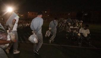 FOTO Trasladan a 900 reos del penal de Topo Chico a Apodaca (Gobierno NL)
