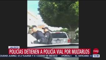 FOTO: Policías municipales detienen a agente de tránsito por multarlos, 15 Septiembre 2019