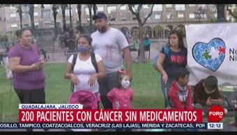 Protestan pacientes de cáncer por desabasto de medicamentos en Guadalajara