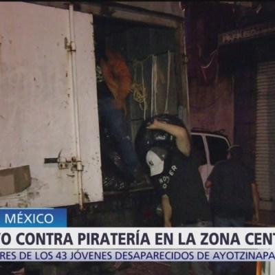 Realizan operativo para decomisar ropa 'pirata' en CDMX