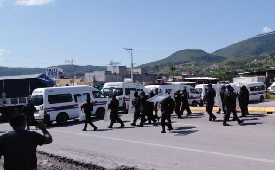 Foto: Retiran a manifestantes en la carretera México-Acapulco, 20 de septiembre de 2019, México