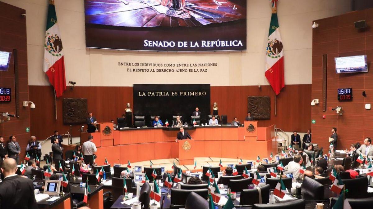 Sesión en el Senado de la República