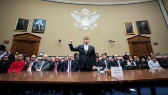 Foto: El director interino de Inteligencia Nacional, Joseph Maguire (C), ha jurado testificar ante el Comité de Inteligencia de la Cámara sobre la denuncia de denunciantes, 26 septiembre 2019