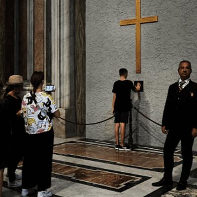 Fiscalía vaticana va contra dos curas italianos por abuso sexual y encubrimiento