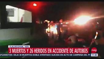 Vuelca autobús de pasajeros en Veracruz; mueren tres personas
