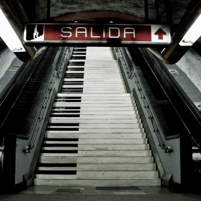 Varias personas caen de escaleras eléctricas del Metro Polanco; hay 4 lesionados