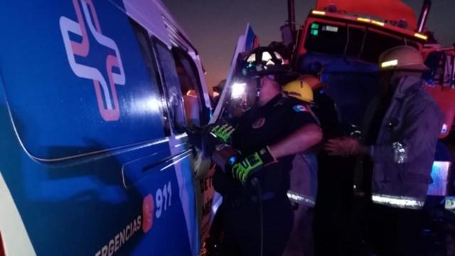 Foto: La carretera Mérida-Motul fue cerrada al tránsito mientras se realizaban los trabajos para atender a los lesionados, 14 de octubre de 2019 (Twitter @sspyuc)