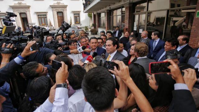 Alcaldes panistas finalizan diálogo con Gobierno Federa