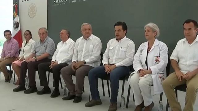 """FOTO AMLO y Zoé Robledo condenan """"neoliberalismo sanitario"""", en Campeche (YouTube)"""