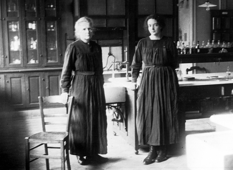 Marie Curie y su hija Irene. (AP, archivo)